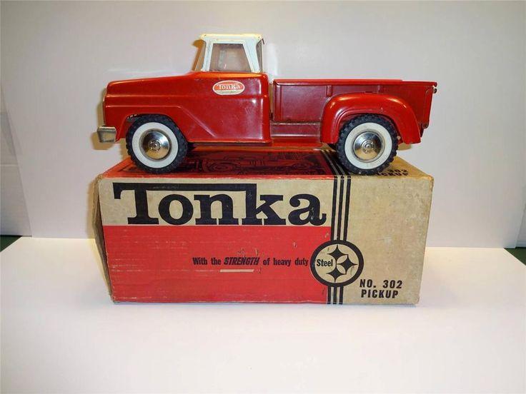 60's Tonka Truck w/box