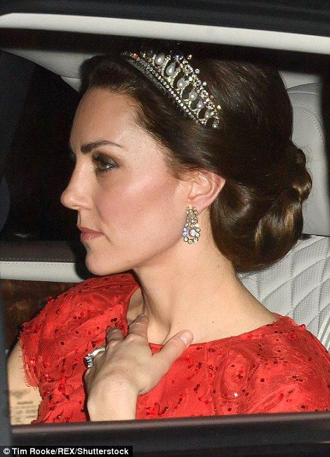 dailymail: Diplomatic Reception, Buckingham Palace, December 8, 2016-Duchess of Cambridge in the Lover's Knot Tiara and the Queen's Diamond Earrings
