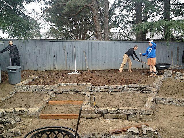 Best 25 broken concrete ideas on pinterest garden ideas - Concrete projects for the garden ...