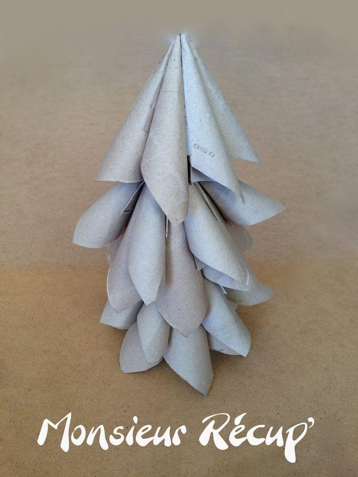Les rouleaux de papier toilette, ont encore de beaux jours devant eux.   Alors, pourquoi ne pas s'en servir en décoration de Noël pou...