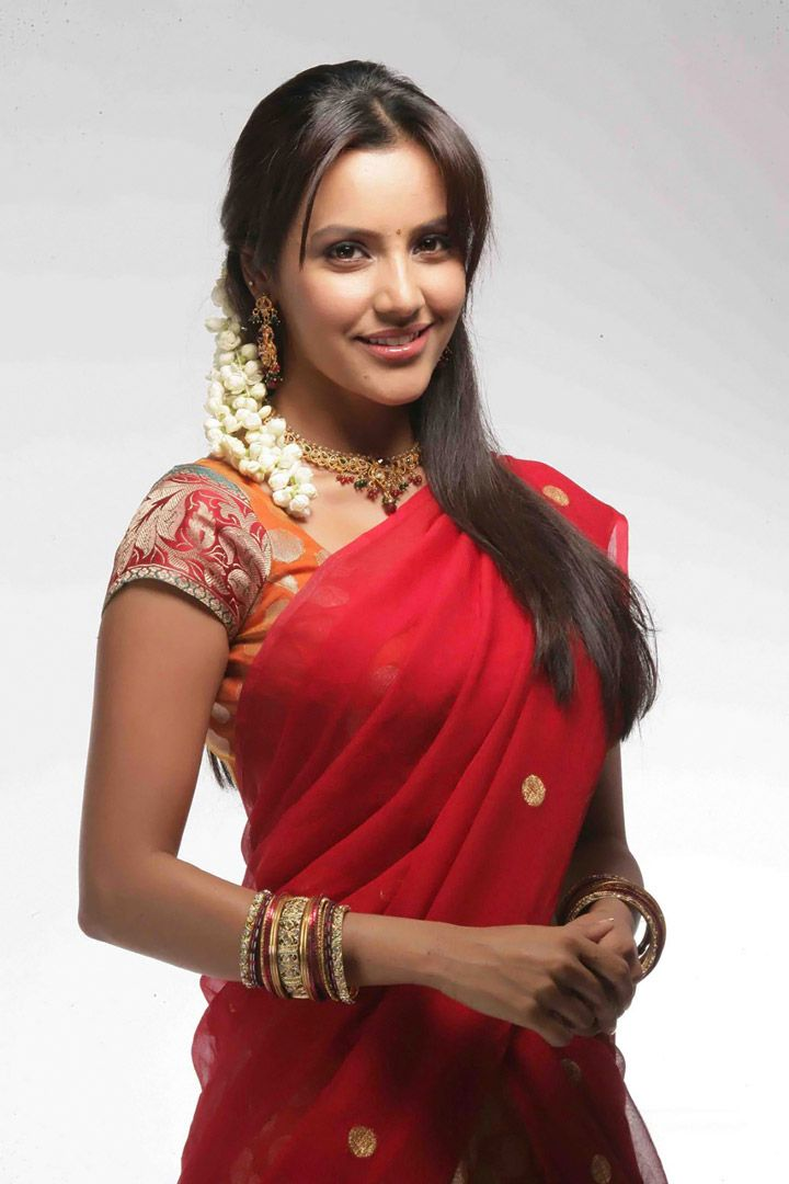Priya Anand Hot South Actress in Red Saree
