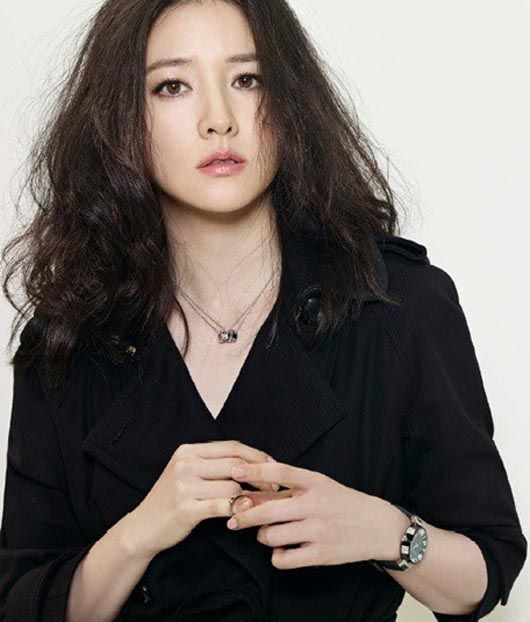 Lee Young-ae - Inspiration for Khyn (Panther)
