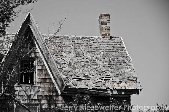 One of my favorite #abandoned homes in the area. This one sits across from the racetrack and casino just outside of #OCMD - Abandoned Farmhouse Photograph Abandoned by JKiesewetterPhotos - $20.00