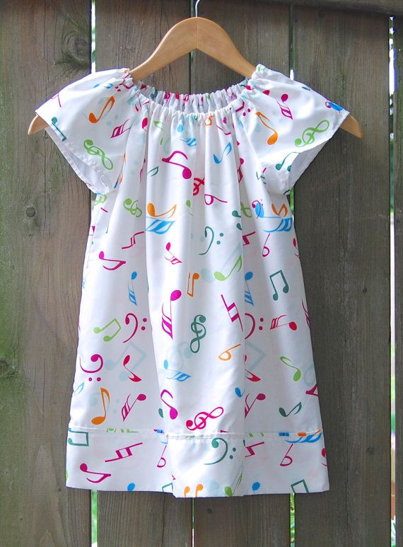 Girls size 3-4 Upcycled Pillowcase Nightgown Musical Nightgown Angel Sleeves Girls & Best 25+ Pillowcase nightgown ideas on Pinterest | Cute nightgowns ... pillowsntoast.com