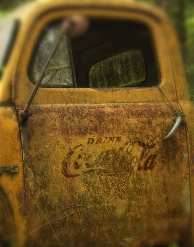 Old Coca Cola truck.: Old Trucks, Vintage Trucks, Cocacola, Early Coca, Delivery Trucks, Drinks Coca Cola, Coca Cola Trucks, Vintage Coca Cola, Antiques
