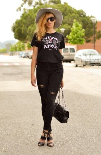 """Camiseta """" Viva el Amor """" negra disponible en www.aireretro.es"""