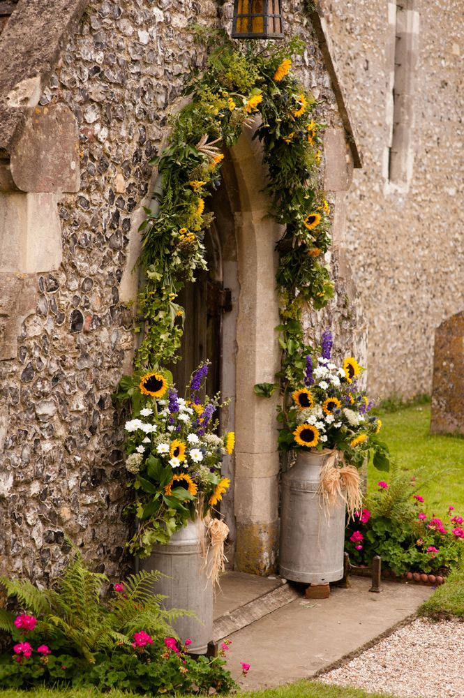 Sunflower church archway - we already have the milk pails just need the sunflowers!