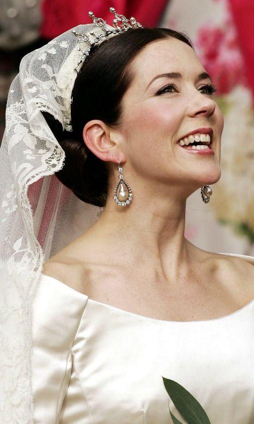 Diez tendencias 'beauty' para novias 'royal' - Foto 1 El perfecto ejemplo de beauty look de novia universal: el de Mary de Dinamarca.