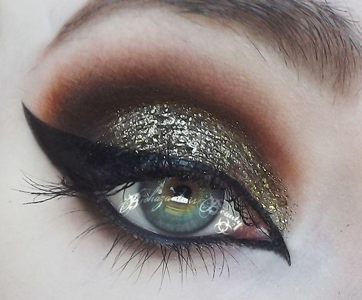Makeup Geek Utopia Pigment On The Eyes Looks Amazing Makeup Geek Utopia Pigment On The Eyes Looks Amazin In 2020 Makeup Geek Glitter Eye Makeup Makeup Geek Pigment
