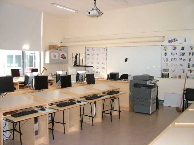 Modern one room schoolhouse designs computer room design for Decorating ideas for computer room
