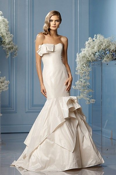 59 best Wedding Dresses images on Pinterest | Beautiful gowns, Cute ...