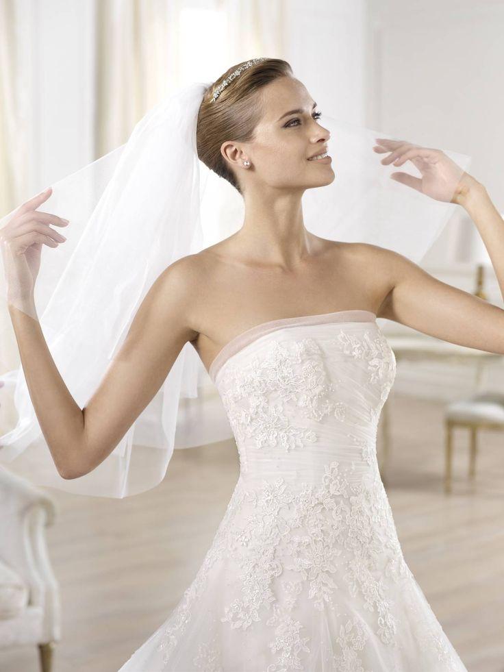 Ocotal esküvői ruha - La Mariée esküvői ruhaszalon - Pronovias 2015 http://lamariee.hu/eskuvoi-ruha/pronovias/ocotal