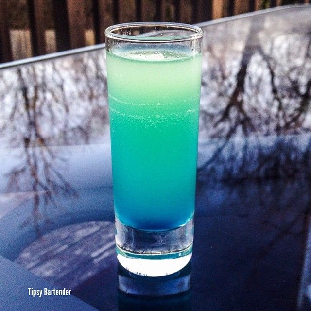 Tipsy BartenderDROP FROM HEAVEN SHOT Rum Triple Sec Blue Curacao Pineapple Juice