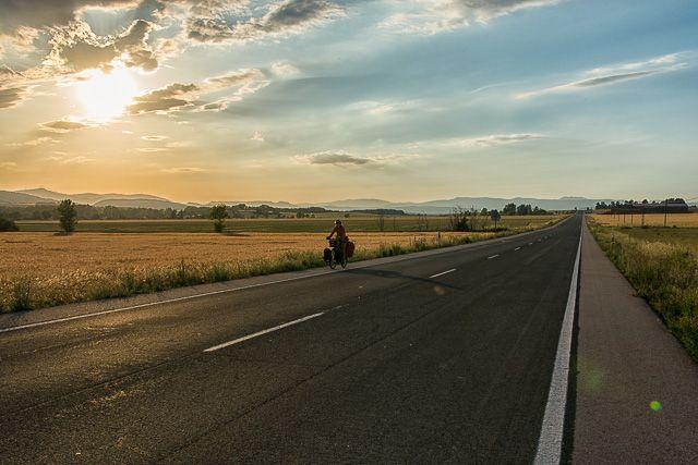 Cómo viajar barato y por qué viajar barato en bicicleta