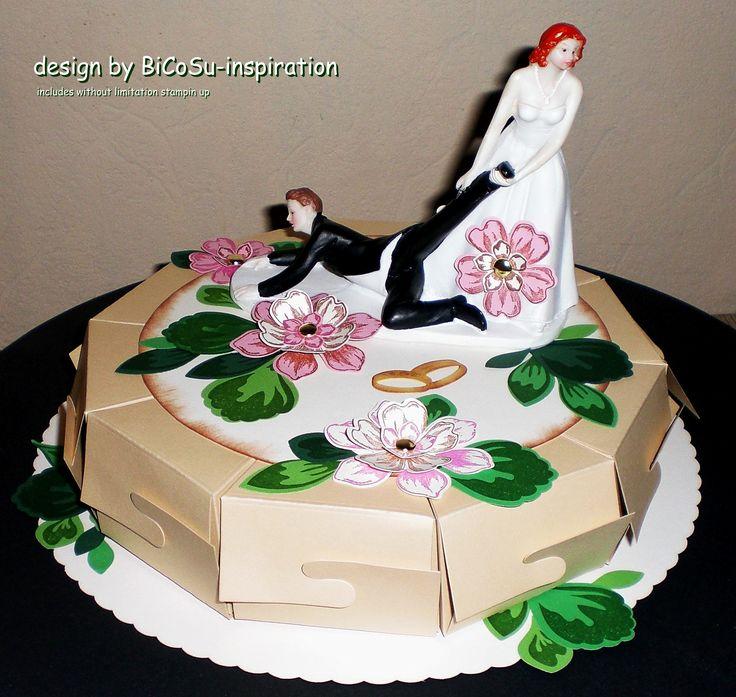 verrückte und witzige Papier Hochzeitstorte mit Ehepaar im Blumenmeer - crazy and funny wedding paper cake with Flowers - Papiertorte - papercake