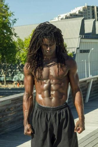 Let's take a look at some black men dreadlocks hairstyles pictures. If you are a guy looking to start some dreads this post is it and women will love you..