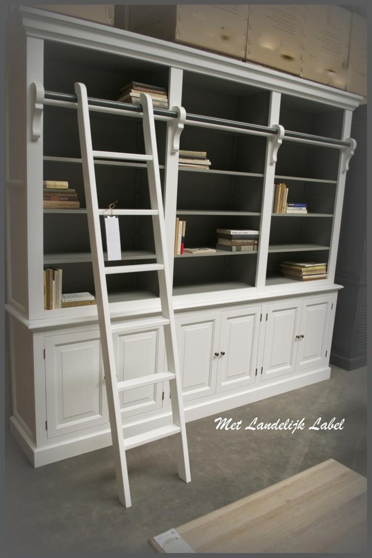 Landelijke en stoere bibliotheekkast met trap!  Te koop bij: WWW.METLANDELIJKLABEL.NL (webwinkel en showroom vol unieke oude brocante en landelijke meubels)