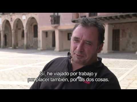 Viajar (ocio tiempo libre) Interview with women on the street Madrid.  Good pace with Spanish subtitles.  Qué hace en su tiempo libre...?