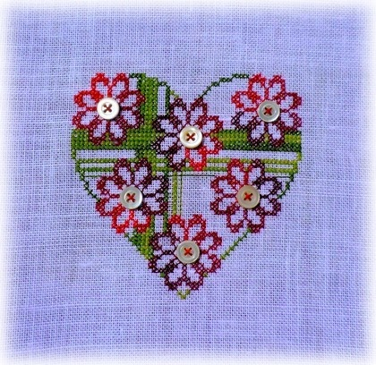 heart flower with buttons cross stitch small
