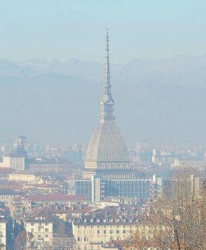 Smog we Włoszech zagraża życiu. W miastach ograniczono ruch pojazdów - http://tvnmeteo.tvn24.pl/informacje-pogoda/swiat,27/smog-we-wloszech-zagraza-zyciu-w-miastach-ograniczono-ruch-pojazdow,189718,1,0.html