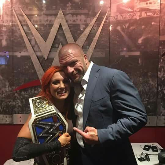 Becky and Triple H 😊 For more content, Follow me. Para más contenido. Sigueme Dick27Ambrose