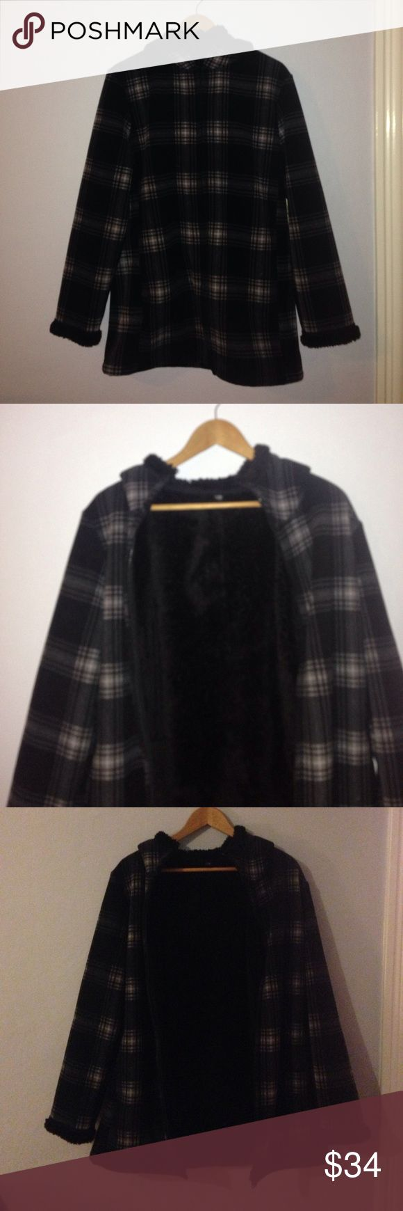 Uniqlo plaid jacket Uniqlo plaid black and white fuzzy jacket. Great for snow and the cold- very cozy! Women's size large. Never worn! Has pockets and a hood Uniqlo Jackets & Coats