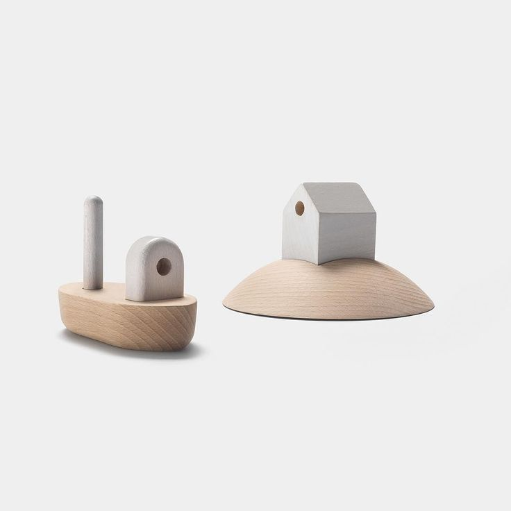 The Archipelago Fishing Boat & Island House by Permafrost are designed in the highest quality wood and have been specially developed and manufactured down to the smallest detail. No wonder why the set was presented during the London Design Festival in 2013.