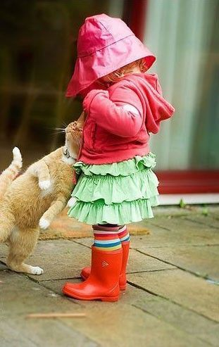 This makes me smile.Kitty Cat, Rain Boots, Best Friends, Sweets, Pets, Children, Little Girls Outfit, Kids, Animal