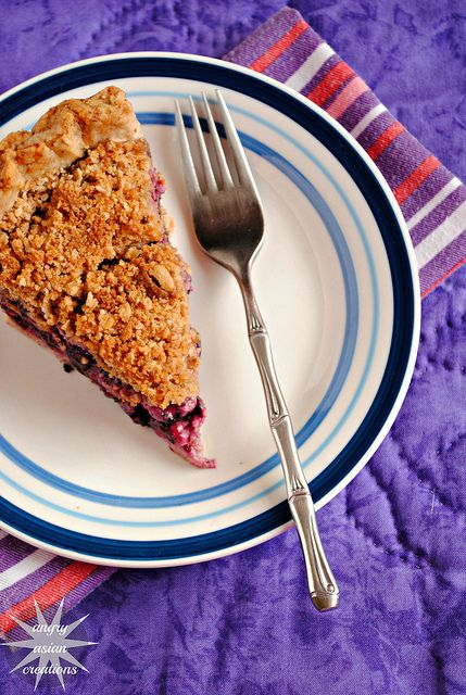 Blueberry pie + orange nut crustAngry Asian Yuyang, Desserts Stuff, Pies Recipe, Blueberries Pies, Asian Creations, Nut Crusts, Sweets Tooth, Orange Nut, Angry Asian Lan