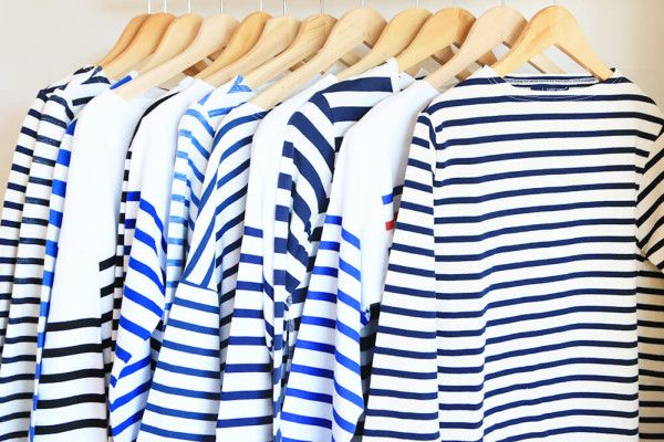 パリジェンヌの春の装いに欠かせないアイテム、ボーダーカットソー。パリジェンヌの定番ブランドであるセントジェームス、オーシバル、プチバトー、アニエスベー、アーペーセーから日本のマイヨ、無印良品まで、ボーダーカットソーを徹底紹介!
