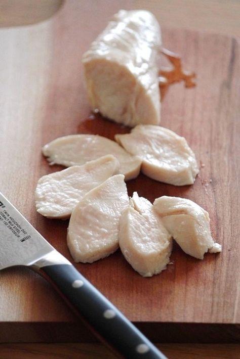 ササミのオイル漬け。 by 栁川かおり / 鶏ささみを「ツナ」を作る要領で、オイル漬けにしてみました。しっとりジューシーの仕上がりです。ツナやハムのように使える、万能ストックになりました。 / Nadia