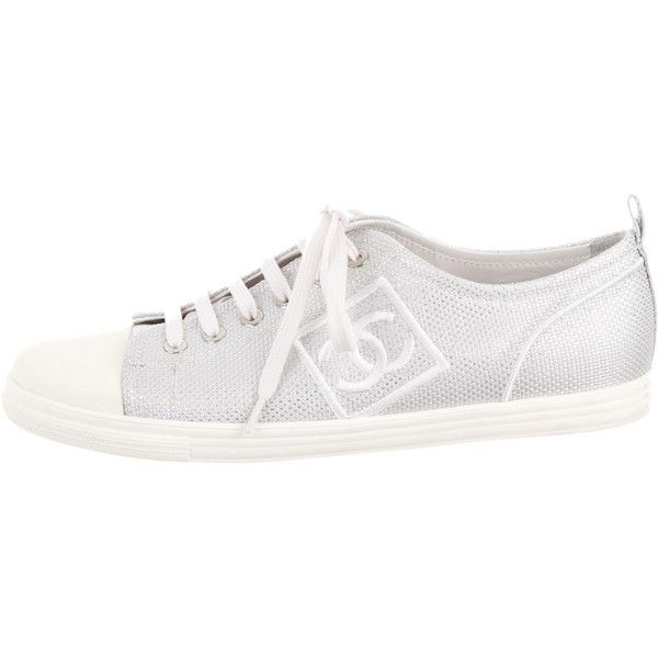 Pre-owned Chanel Tennis Sneakers (£555) ❤ liked on Polyvore featuring shoes, sneakers, silver, chanel footwear, chanel trainers, chanel, metallic silver sneakers and cap toe shoes