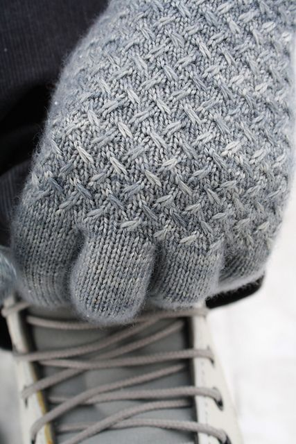 Beaitiful. Lanark by Debbie Sullivan - The density of the stitch pattern creates a durable fabric to block the wind and keep your fingers warm!