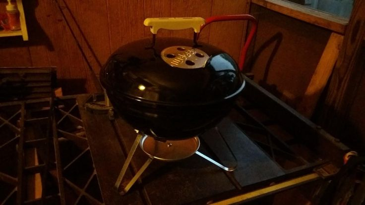 Just snagged this Weber Smokey Joe on FB marketplace for $3 #barbecue #BBQ #food #grill #summer #plancha #party
