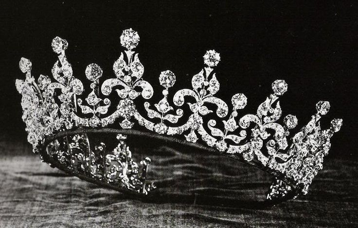 Queen Mary's 'Girls of Great Britain and Ireland' Tiara. Given to Queen Mary in 1893 as a wedding gift for her marriage to the future King George V.