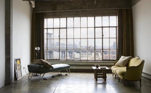 un loft new yorkais la d coration minimaliste d pouill e windows factory pinterest d co. Black Bedroom Furniture Sets. Home Design Ideas
