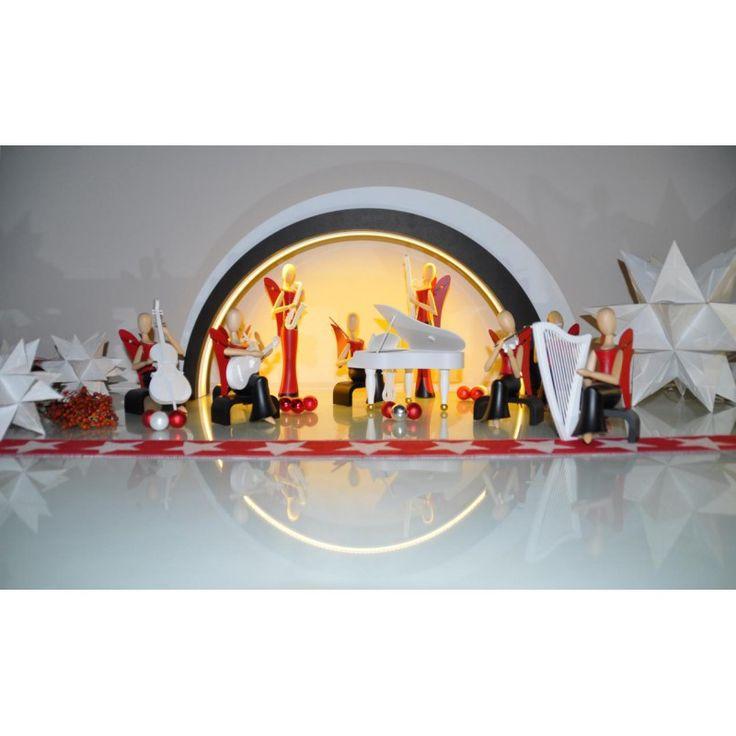Weihnachtsdeko mit Stil: Die sinnlichen Engel aus der Kollektion Sternkopf. Modernes Design aus dem Erzgebirge. Sammlerstück und himmlische Geschenkidee nicht nur zu Weihnachten. Sternkopf-Engel, mit Klavier, sitzend