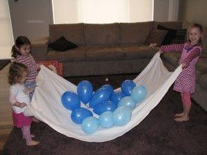 Ballonnen omhoog met doek !