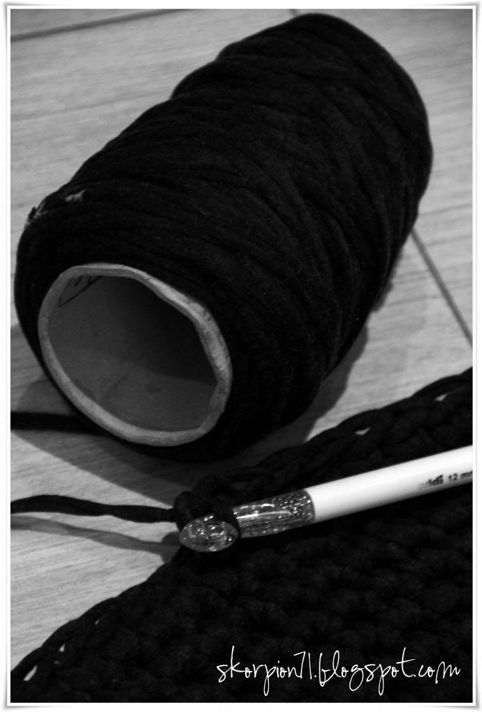 Crochet rug (Norwegian pattern)  ✰ Skorpionen's hjørne: Heklet rundt gulvteppe! ★