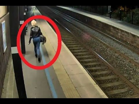 Real Ghost shot on CCTV footage - Scary Videos Of Ghost Caught On CCTV C...