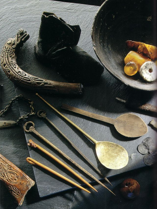 Everyday viking items unearthed in Dublin. [Walter Pfeiffer/National Museum of Ireland]