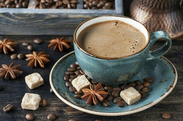 Чай, кофе, посуда, сладости