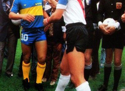 Superclásico Boca vs River, Maradona y Passarella, 80′s » Football a 45 giri | Football a 45 giri