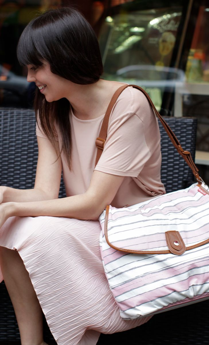 Babymel est une marque anglaise qui répond à une exigence grandissante des mamans : un sac à langer fonctionnel à la mode, à un prix compétitif.   Mamma Fashion http://www.mammafashion.com/
