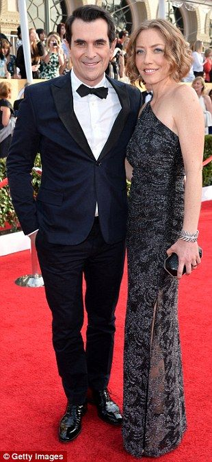 1-18-14 SAG AWARDS.   Ty Burrell was accompanied by wife Holly