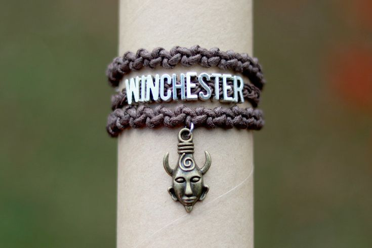 Winchester bracelet (Supernatural) by Pia-CZ | knotted bracelet -  Alternating Half Hitch Knot Chain, braid (three strands)