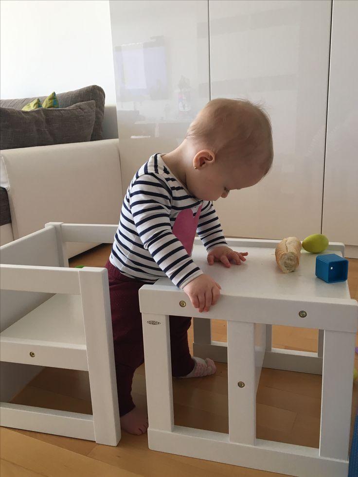 Biely montessori nábytok stolička a stolík