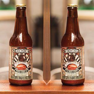 ¿Aburrido de tomar siempre la misma cerveza? Experimenta #Moonshine #piensaindependiente #tomaartesanal #cervezabogotana #cervezasmoonshine #cervezacolombiana #craftbeer #bogota