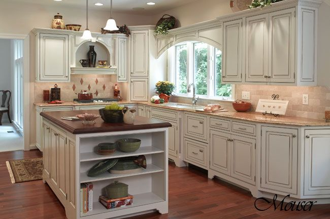 Kitchen Island: Country French, Country Style Kitchens, Antiques Cabinets, Kitchens Islands, Country Kitchens Design, French Country Kitchens, Kitchen Designs, Design Style, Bath Design