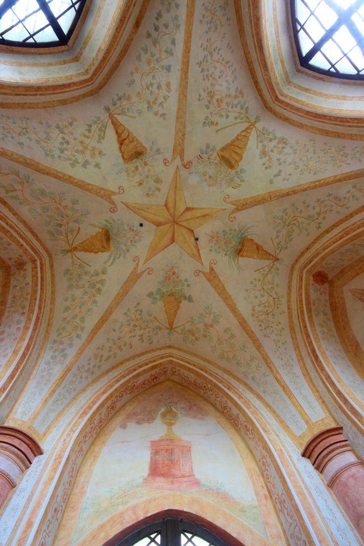 Poutní kostel sv. Jana Nepomuckého na Zelené hoře. Ambity, strop Saské kaple.